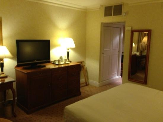 Royal Lancaster London: upgraded room