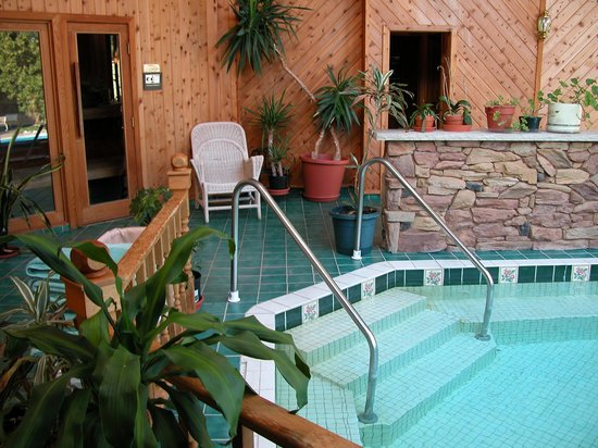 Rosemont Inn Resort B&B: Year-round indoor Spa with hot tub and sauna