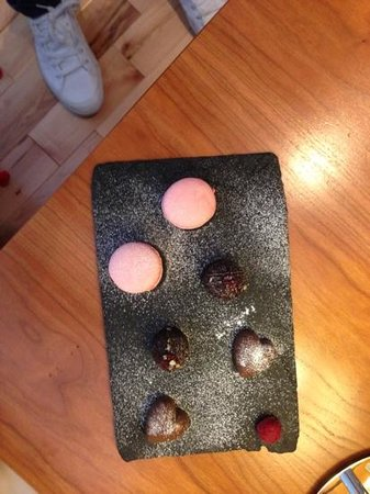 hope street hotel:                   chocolate's on arrival
