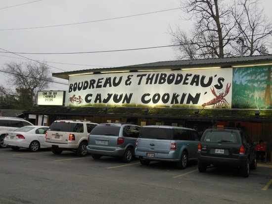 Boudreau & Thibodeau's Cajun Cooking:                   Welcome sign