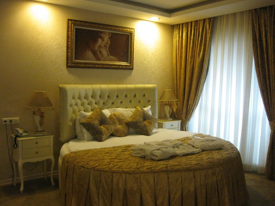 Golden Boutique Hotel:                   The Kings Deluxe Room