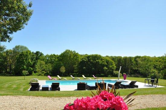 La piscine picture of la ferme saint vennec combrit for La piscine review