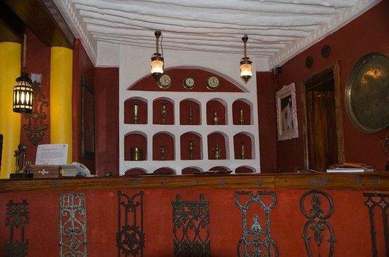 Jafferji House & Spa: Front desk