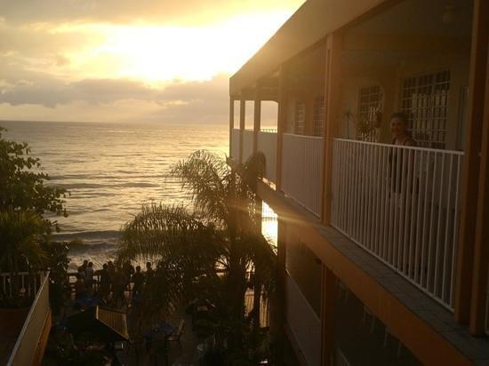 فيلا كوفيريسي هوتل:                   sunset from 3rd floor of hotel                 