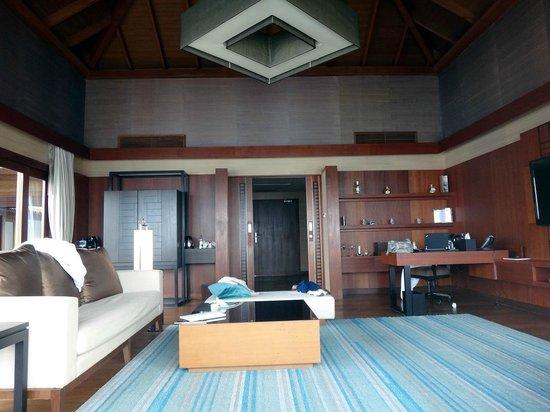 Jumeirah Dhevanafushi: Living room