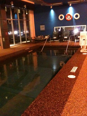Aloft Lexington:                   Pool