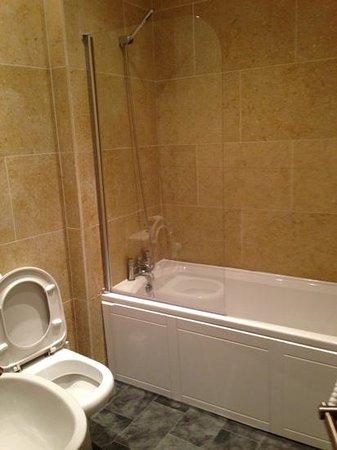 Harrogate Boutique Apartments: bathroom apartment 10, 125 Valley Drive