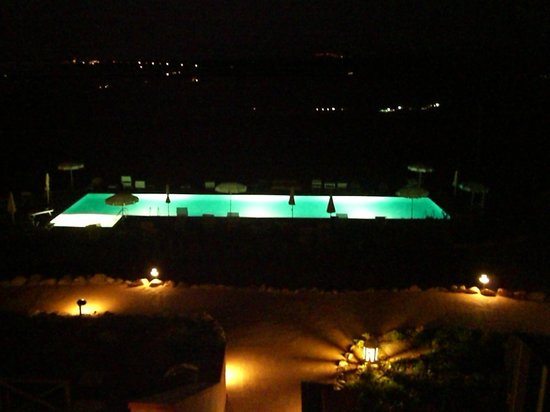 Saturnia Tuscany Hotel:                   Swimming Pool by night