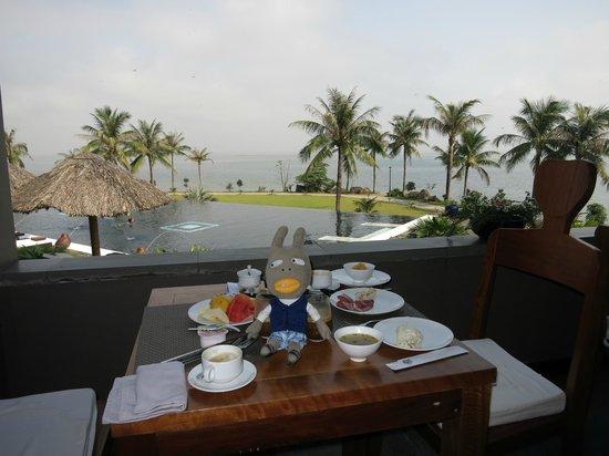 Vedana Lagoon Resort & Spa:                   breakfast