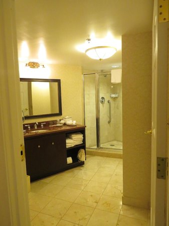 The Fairfax at Embassy Row:                   Grand Deluxe King Room-Bathroom