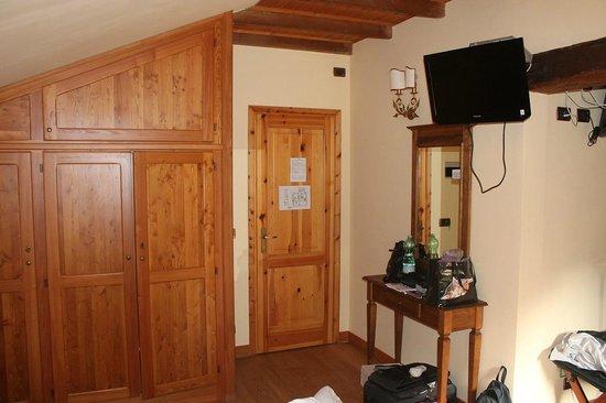 Le Charmant Petit Hotel: Camera/Room