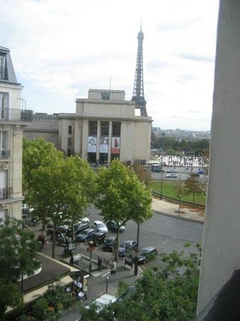 Best Western Au Trocadero:                   View from out window