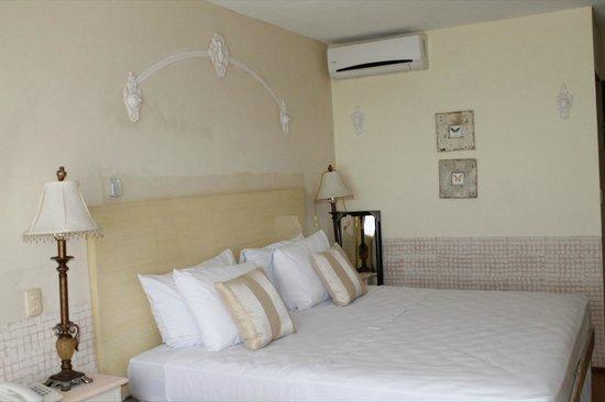 Suites Alcatraces 33: Habitación sencilla