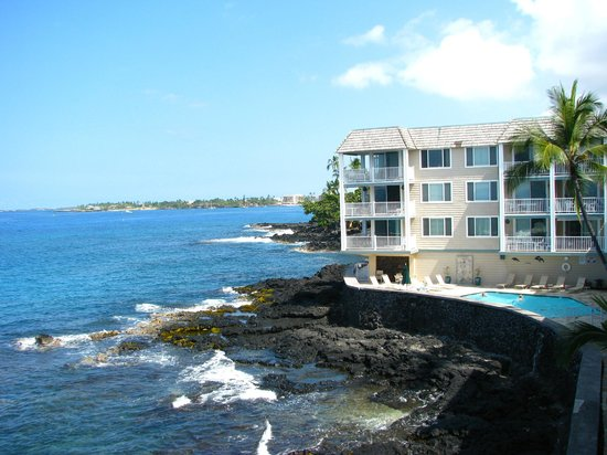Hale Kona Kai Condominiums:                   View from the big lanai