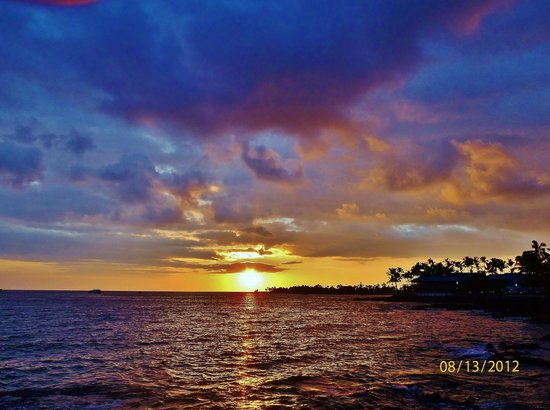 Hale Kona Kai Condominiums:                   Another incredible sunset. We had these beauties every night!