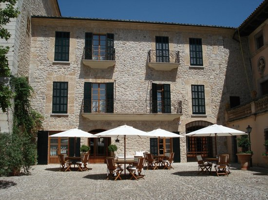 Cas Comte Petit Hotel & Spa:                   A place with a history