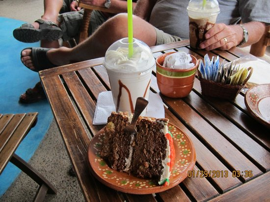 Looney Bean Coffee Shop:                   Carrott cake & carmelicious frappe... Yum.