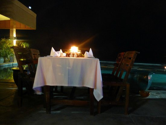 Laksasubha Hua Hin:                   Dinner at the beach