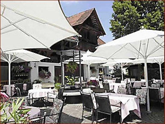 Gasthaus zur Linde: Garten mit Bierbrunnen