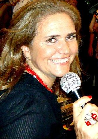Pizza Sing Karaoke: Verónica Araújo : animadora