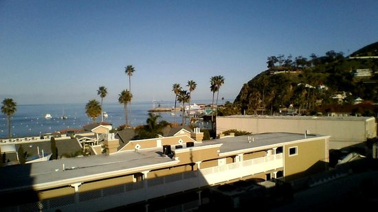 Catalina Island Inn :                   beach view from the hotel room. 