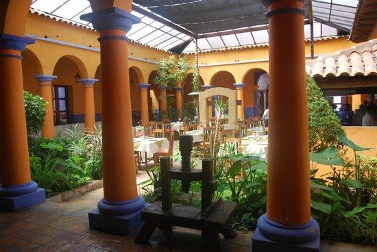 Hotel Ciudad Real Centro Historico :                   Dove si fa colazione
