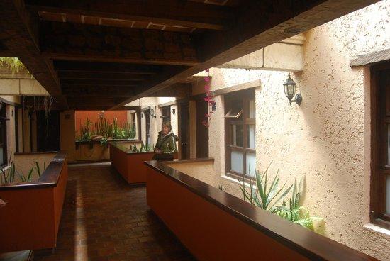 Hotel Ciudad Real Centro Historico :                   il corridoio