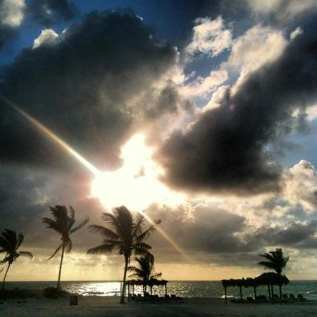Viva Wyndham Fortuna Beach - An All-Inclusive Resort:                   sunrise from Bimini 4105