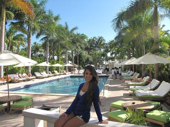 South Seas Hotel Area De Piscina Con Salida A La Playa