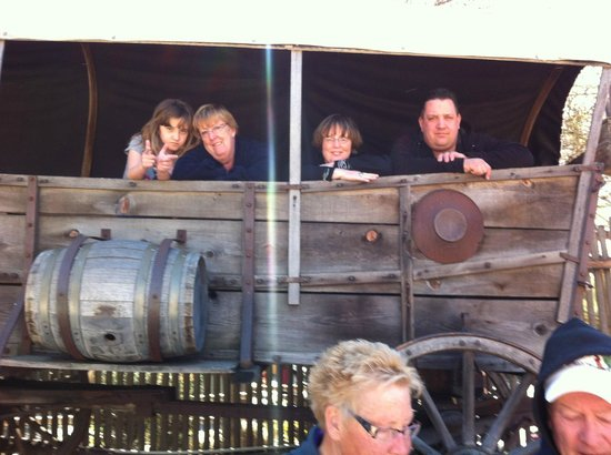 Knott's Berry Farm:                                     AT THE OLD WEST SHOW