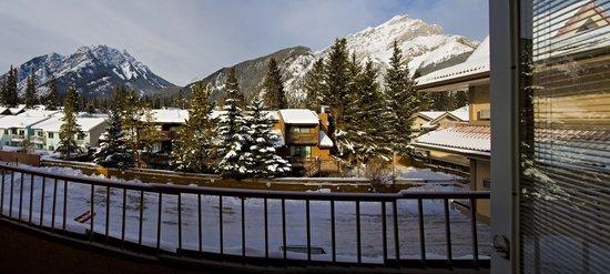 Red Carpet Inn: Mountain Views