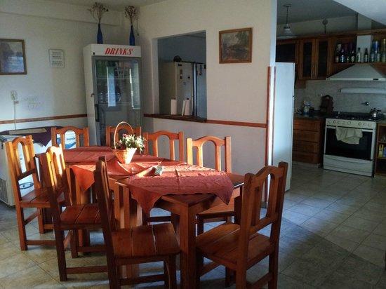 Carlos Paz Hostel:                   comedor