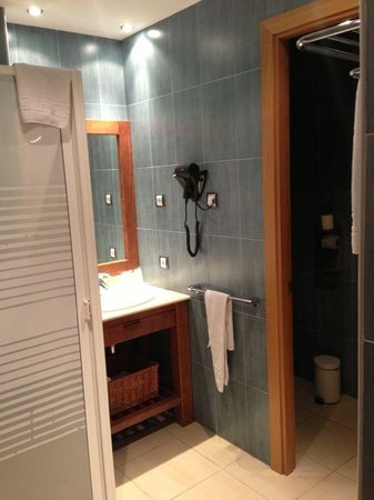 Hotel Obaga Blanca: Cuarto de baño / con wc separado
