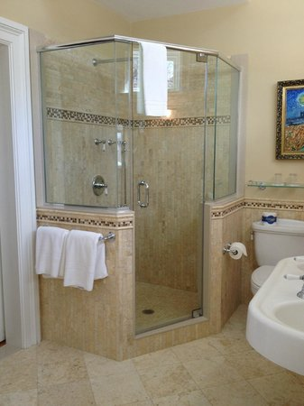 Cliffside Inn:                   Carriage house shower
