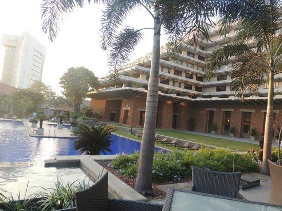 Cinnamon Lakeside Colombo:                   المسبح