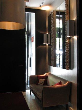 Hotel Murmuri Barcelona: Entrance hallway