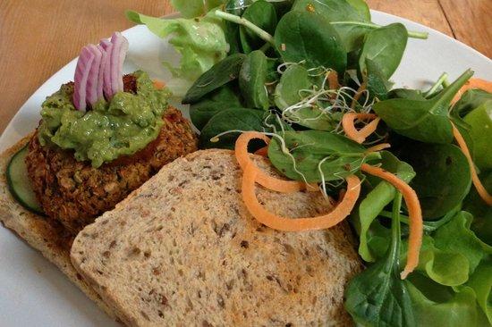 Living Kitchen:                   Fire & Brimstone quinoa ‐ kamut veggie burger served with mixed green salad w/