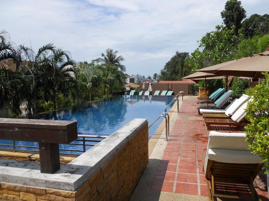 Aonang Cliff Beach Resort:                   Pool Area
