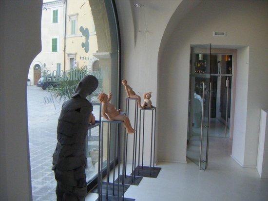 Palazzo Bontadosi Hotel & Spa:                                     Una mostra in atto...