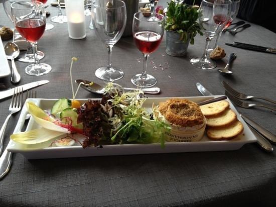 Restaurant Le Normand:                   camembert