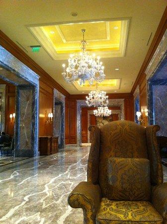 Grand America Hotel:                   Hotel Lobby