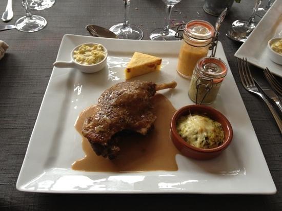 Restaurant Le Normand:                   cuisse de canard confit