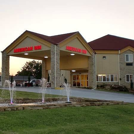 American Inn Madill: Hotel Front Drive