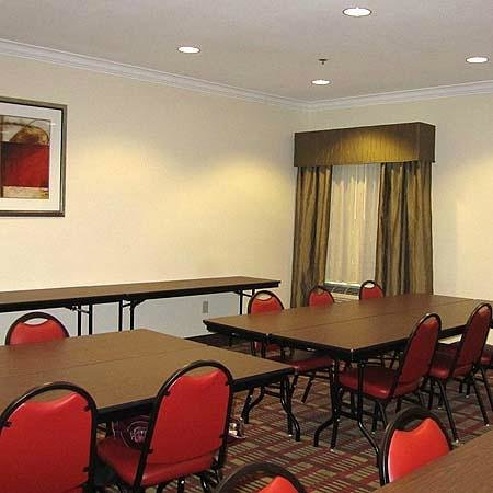 American Inn Madill: Meeting Rooms