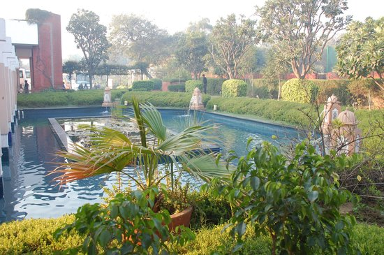 ITC Mughal, Agra:                   Beautiful pool area