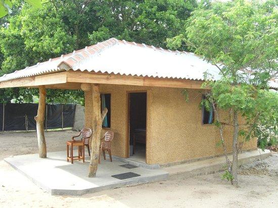 Cinnabar Resort:                   Hütte