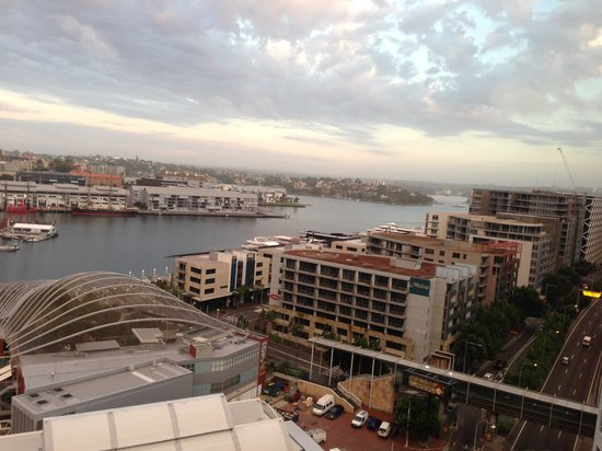 Four Points by Sheraton Sydney, Darling Harbour:                   Looking out to sea!