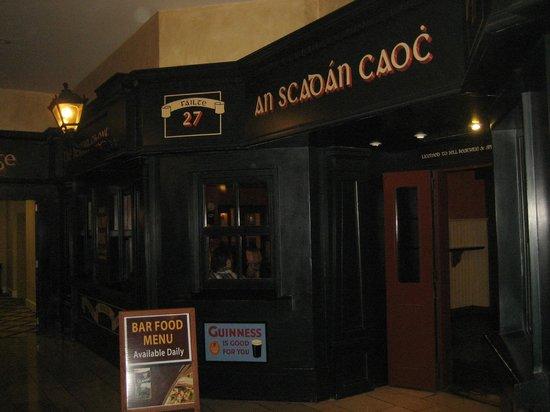 Galway Bay Hotel: Bar Entrance