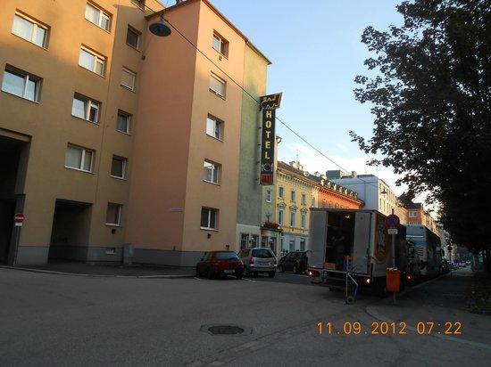 Hotel Zur Lokomotive:                   Street view