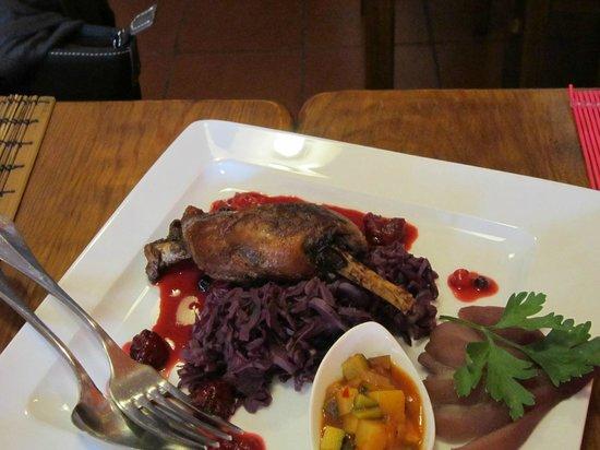 A Casinha d'Avo Bia :                   Pato com frutas vermelhas